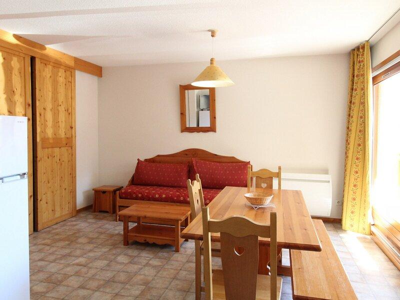 COM334M : Appartement dans quartier calme proche des navettes gratuites et de, casa vacanza a Bramans