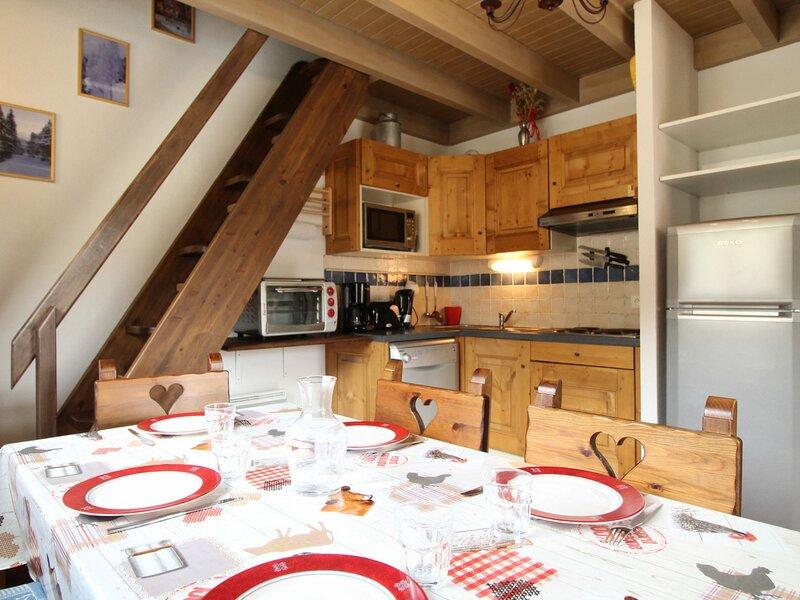 SPO012M Appartement spacieux pour 6 personnes avec vue sur le village, casa vacanza a Bramans