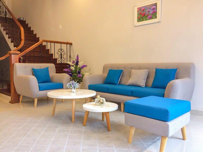 JOLIE HOUSE - GARDEN VIEW- 9 MINS TO DOWNTOWN, alquiler de vacaciones en Lam Dong Province