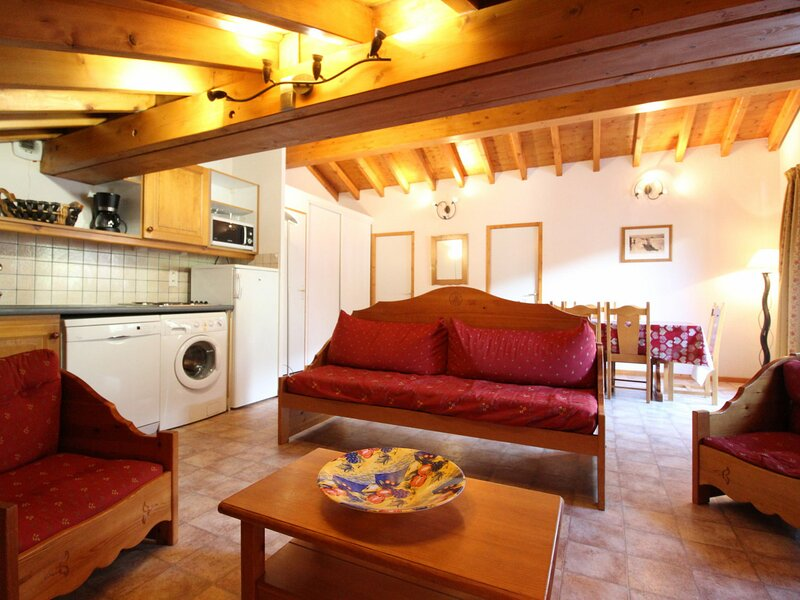 ESS028 - Appartement pour 7 personnes au centre du village et proche des pistes, aluguéis de temporada em Val-Cenis