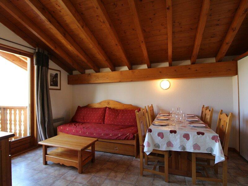 ESS027M - Appartement pour 6 personnes au centre du village et proche des pistes, alquiler de vacaciones en Lanslevillard