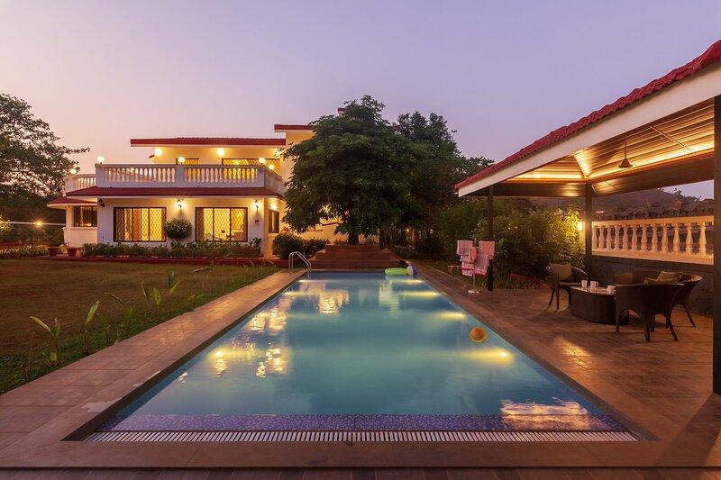 Casa Enchante - All meals Included by Vista Rooms, holiday rental in Lonavala