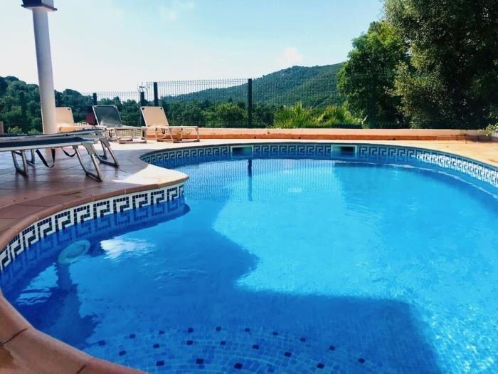 Villa Acacia by Costabravaway, holiday rental in Cruilles