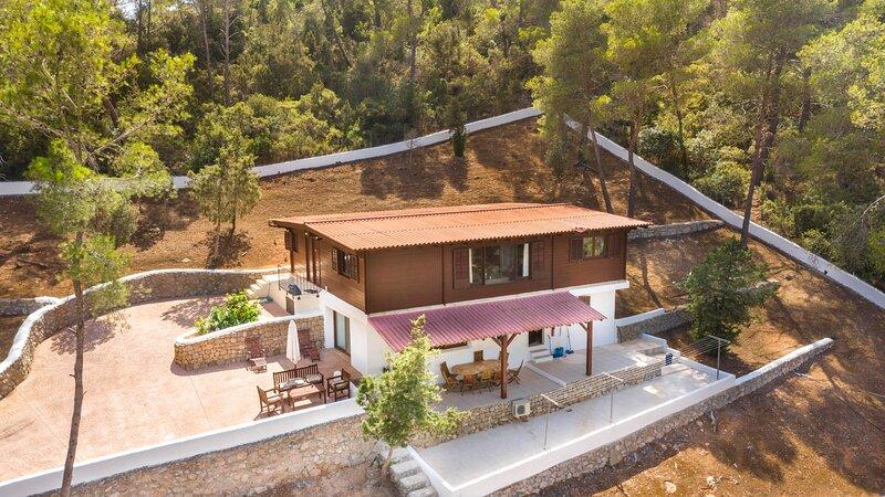Tree House Oasis in  a magical forest, aluguéis de temporada em Siesta