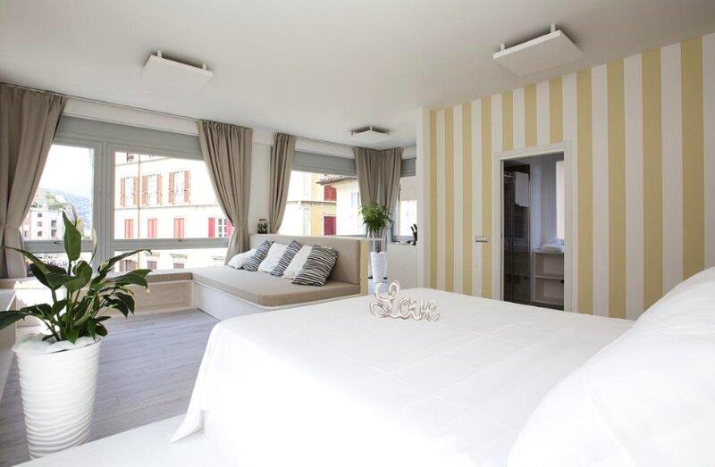 Downtown Como Luxury Flat, holiday rental in San Fermo della Battaglia