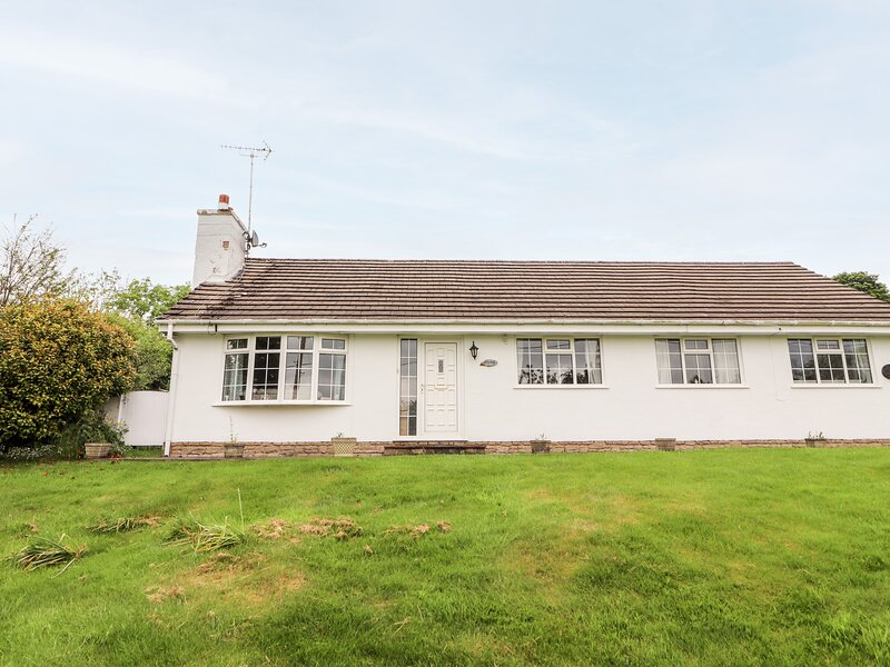 Osakis, Mold, holiday rental in Pentre Halkyn