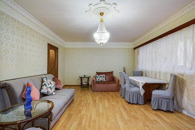Уютная большая 7-ми местная квартира на Бауманской, holiday rental in Zheleznodorozhny
