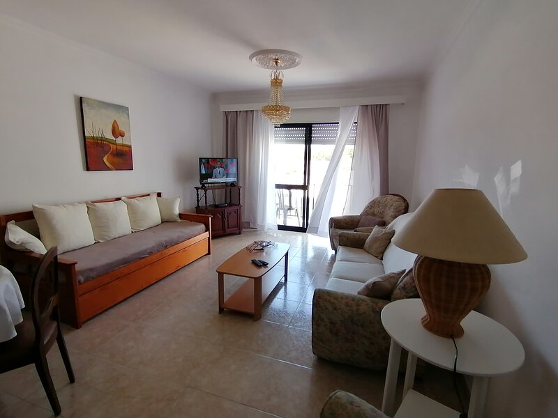 Apartamento T1 grande em Boliqueime/ Albufeira,WIFI, location de vacances à Boliqueime