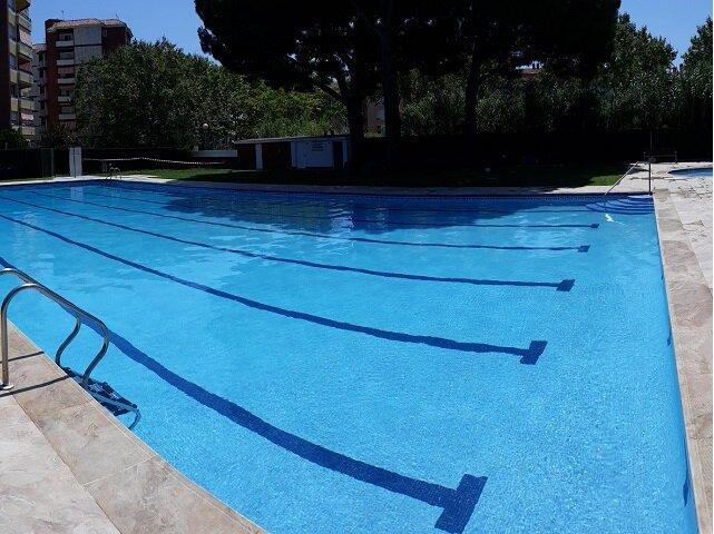 Apto. Zona Familiar con piscina, alquiler de vacaciones en Platja d'Aro