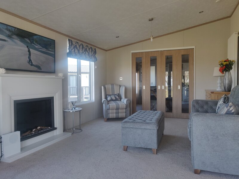Lyndale Lodge 18 with Hot Tub by St Andrews, holiday rental in Ceres