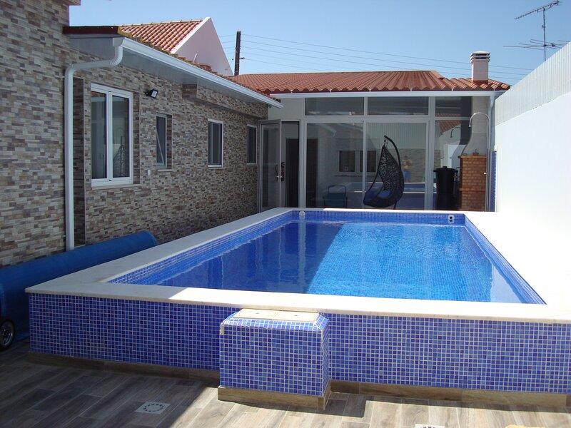 Villa T4 Ribatejo - Private/Heated* Pool, Wifi, Gym, vacation rental in Ponte de Sor
