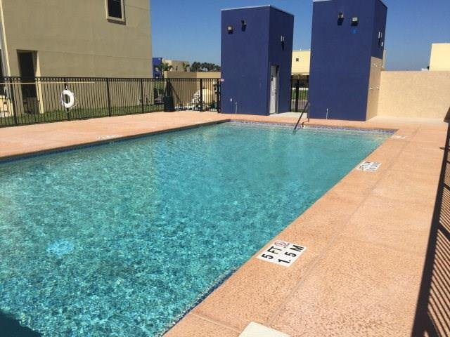 Relax & Enjoy In Our Spacious Townhome Getaway - D, vacation rental in Weslaco