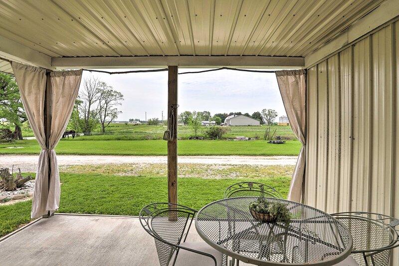 NEW! Peaceful Shiloh Retreat w/ Yard & Fireplace!, vacation rental in Ashland