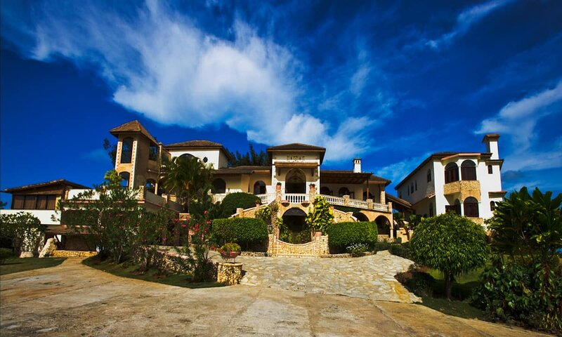 Luxury Villa 9 Bedroom with private spa, boat, whale watching, baseball field, holiday rental in Cabrera