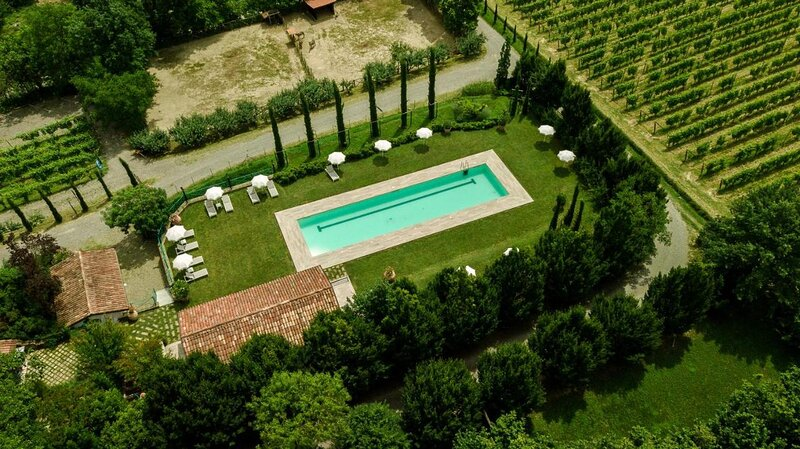 Two Astonishing Connecting Rooms in Nizza Monferrato Piemonte, vacation rental in Mombercelli