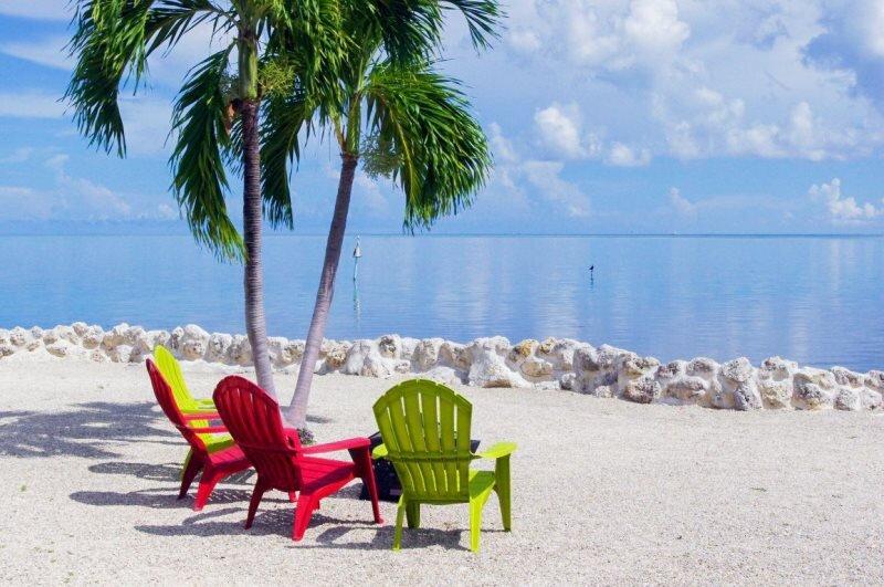 Oasis in the Keys 3Bed/2.5Bath Ocean Views and 4 Kayaks ~MKBEK~Brown, alquiler de vacaciones en Marathon Shores