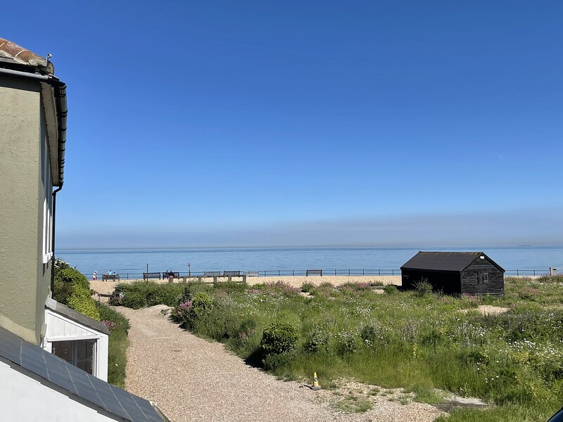 The Shieling - A spectacular holiday home sleeping 6 guests in 3 bedrooms. Far r, holiday rental in St Margaret's Bay