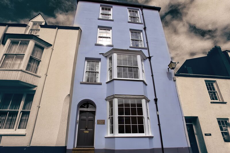 St Mary's House - Townhouse close to the beach, alquiler de vacaciones en Tenby