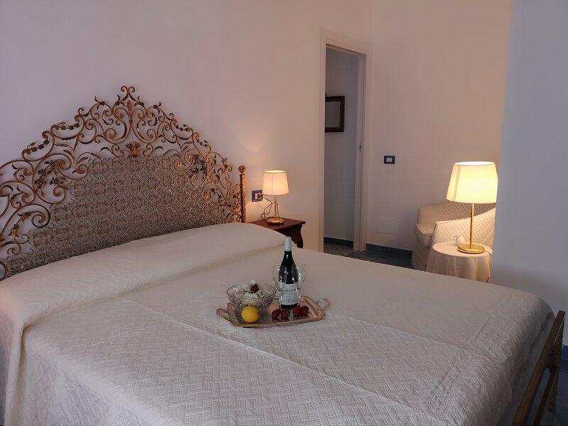 La Casa al Lido, Ferienwohnung in Portici