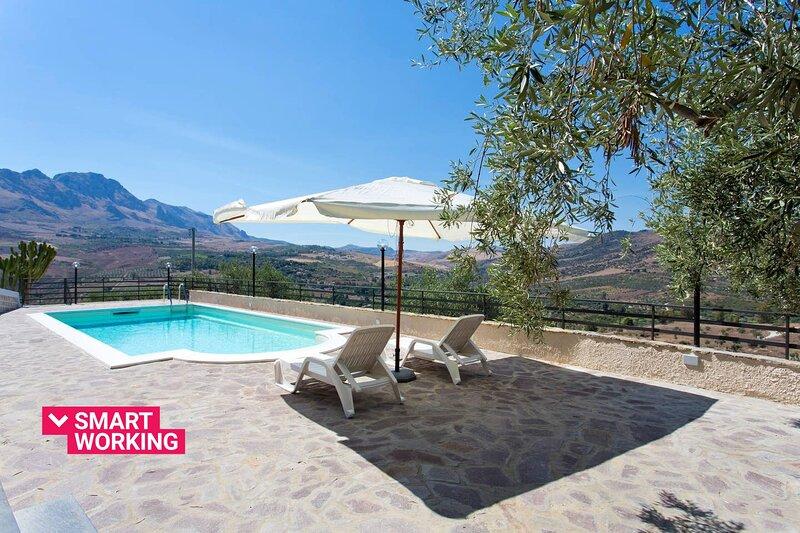 Casale degli Ulivi con piscina by Wonderful Italy – semesterbostad i Ficuzza