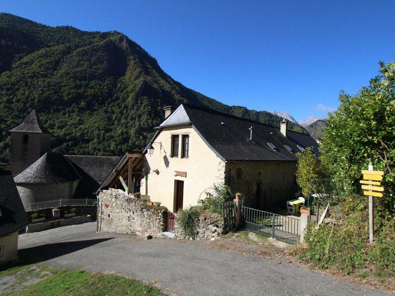 LE LHEZE, holiday rental in Osse-En-Aspe