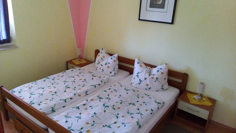 Apartment 3362-1 for 4+2 Pers. in Porec, location de vacances à Zbandaj