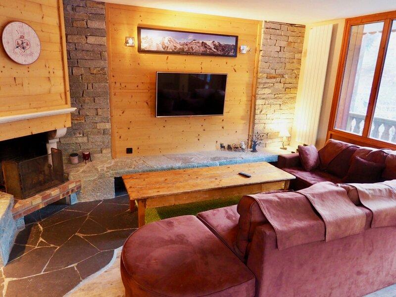 très beau duplex 14 pers pied de pistes cheminée 140 m2, holiday rental in Valfrejus