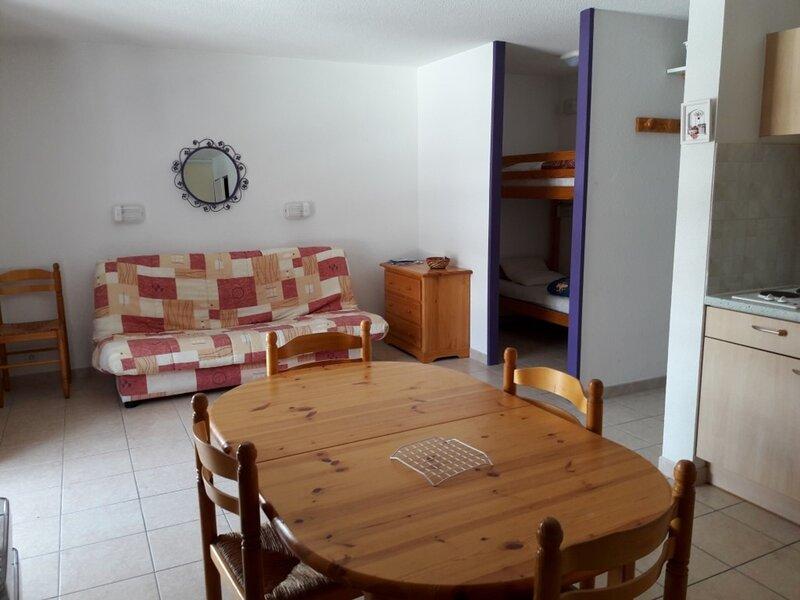 Appartement 6 personnes spacieux Gardette B36 Réallon, holiday rental in Savines-le-Lac
