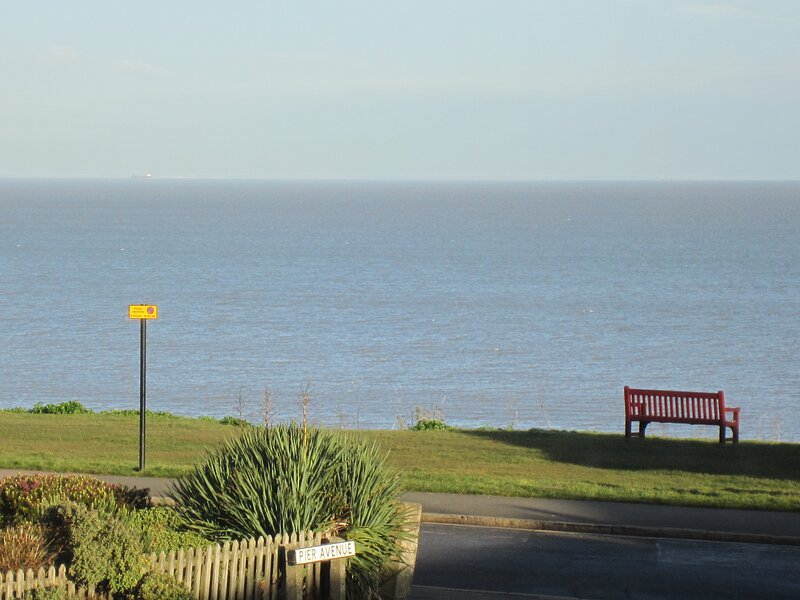 Estuary View Suite, holiday rental in Herne