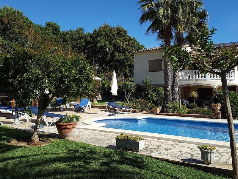 Villa Xarbi by Costabravaway, holiday rental in Calonge