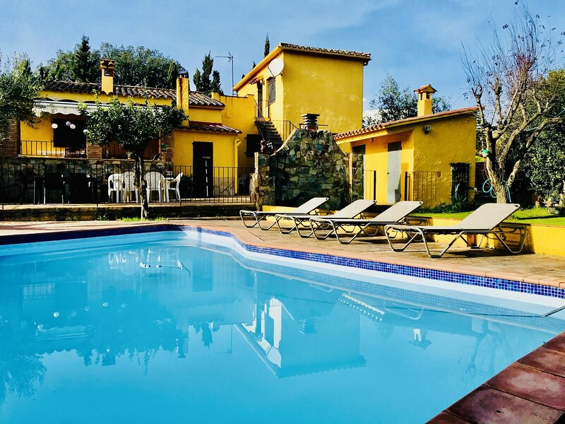 Villa Strawberry by Costabravaway, holiday rental in Calonge