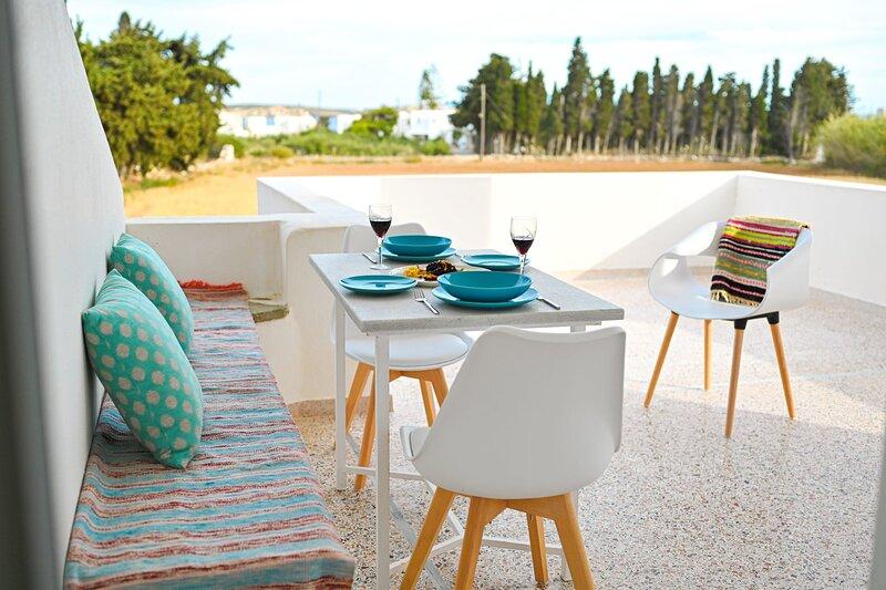Paros Bespoke Residence - Spacious Private Retreat, holiday rental in Nea Chryssi Akti