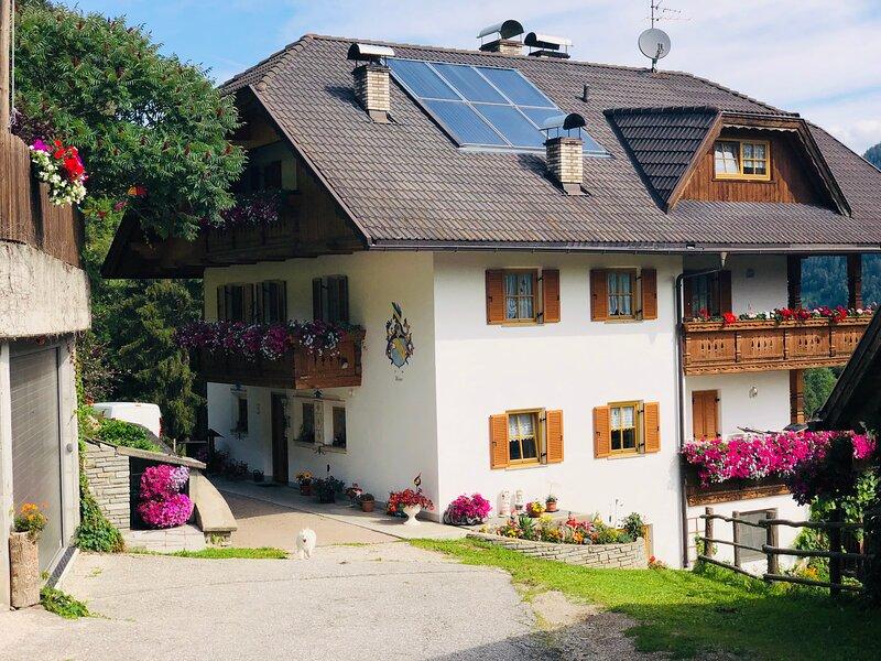 Flatscherhof Urlaub auf dem Bauernhof, holiday rental in Valles