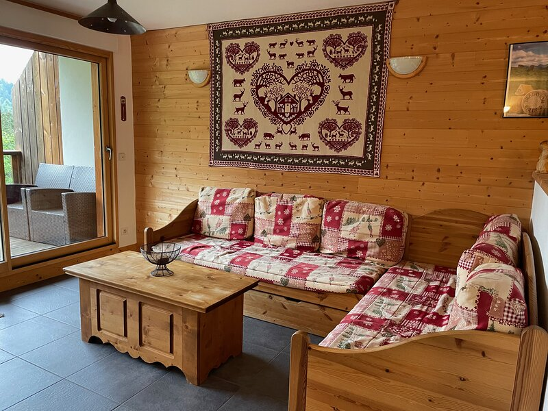 Plein sud, skis aux pieds, 3 ch,2 sdb, alquiler vacacional en Murat
