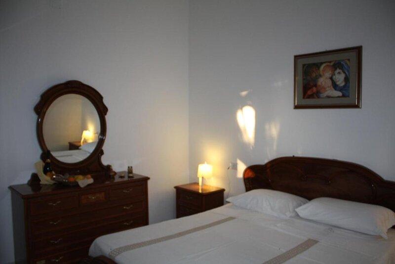 VILA SEJUDA Alberghetto, holiday rental in San Menaio