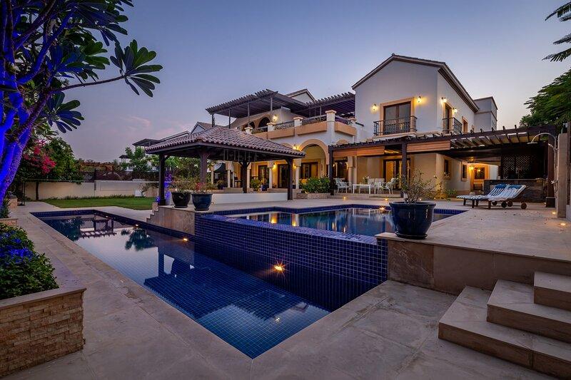 Exceptional and Grand 4BR Villa with Private Pool!, casa vacanza a Hatta
