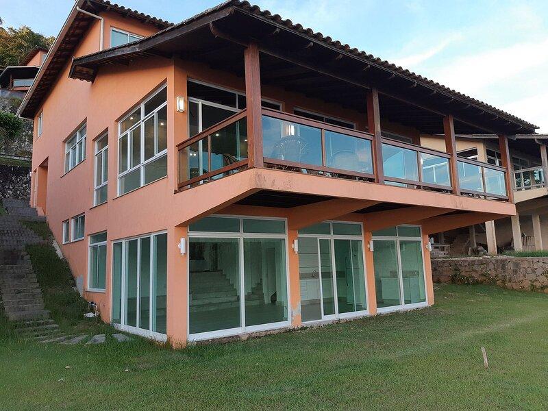 Casa Angra junto al mar, holiday rental in Vila Muriqui