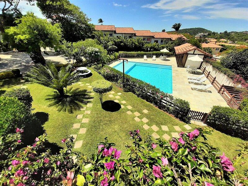 Casa em condomio fechado proxima a Orla Bardot, holiday rental in Rio das Ostras