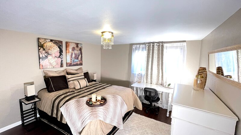 A Prime Bedroom in a Disinfected, Sanitized Home, holiday rental in Pueblo