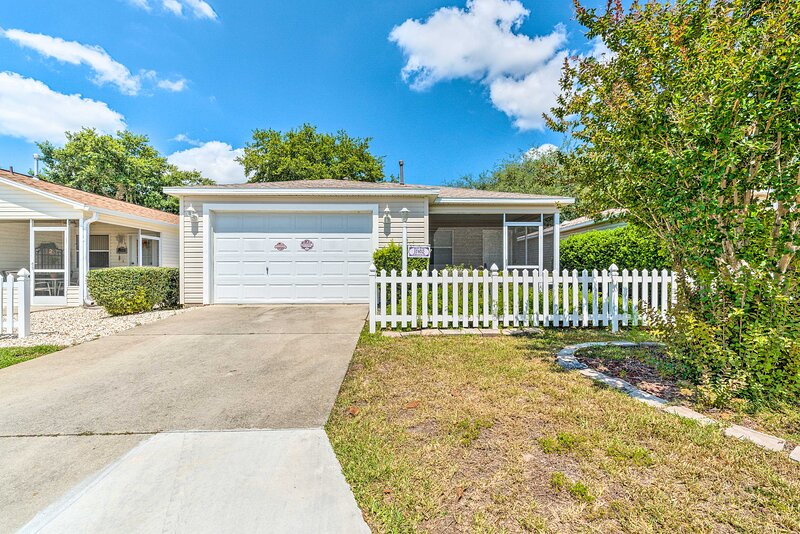 NEW! Sunny Home in The Villages w/ Pool Access!, holiday rental in Summerfield