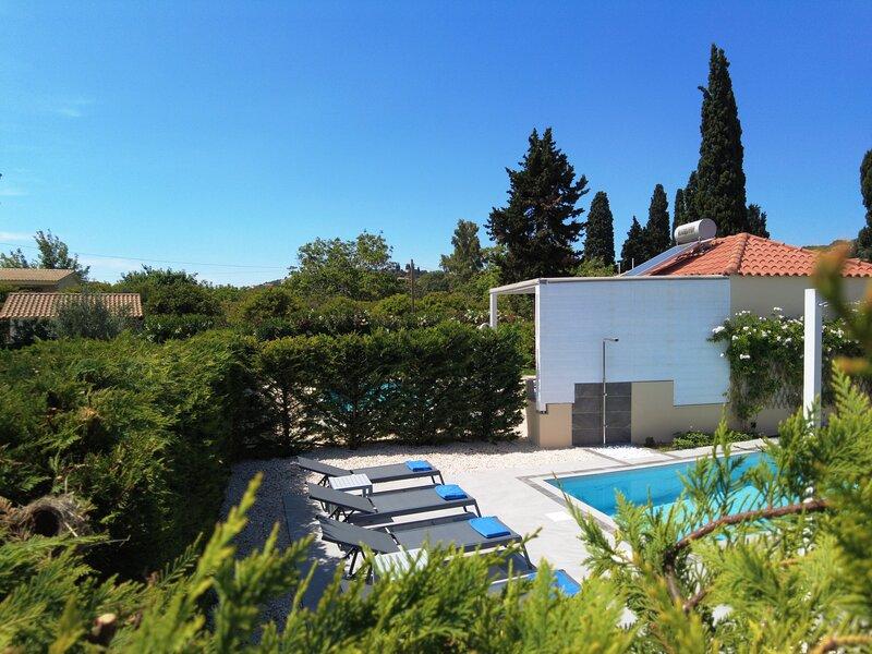 Villa with private garden in Svoronata. – semesterbostad i Svoronata