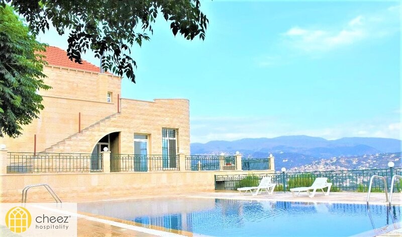 Maison Sur La Colline - 5 Bdr Villa in Hasbaiya - By Cheez Hospitality, holiday rental in Maasser Al Chouf