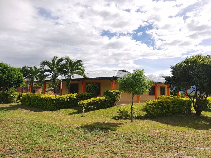 CAMPOS DE BETHEL - Casa campestre Rivera Huila, holiday rental in Rivera