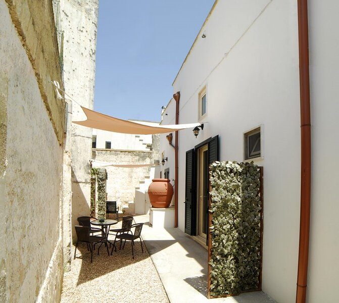 Gaballo 1 holiday home Ugento historic center a few km from the beaches of Torre, holiday rental in Gemini