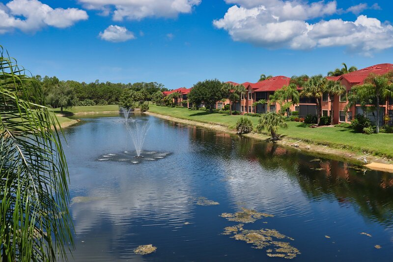 Feather Sound in The Strand #806, holiday rental in North Naples