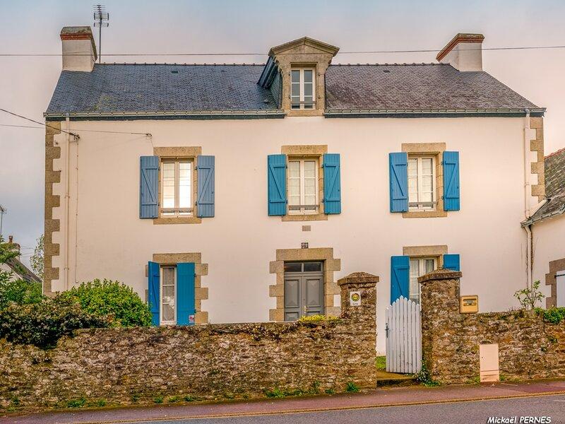 REF 445 HENNEBONT Maison de famille et de caractère, location de vacances à Plouay
