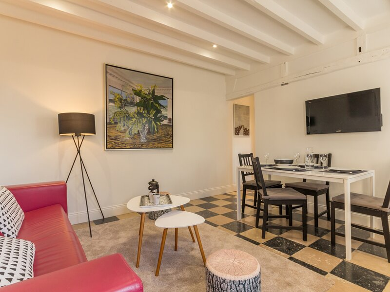 La maison des Artistes, holiday rental in Lorleau