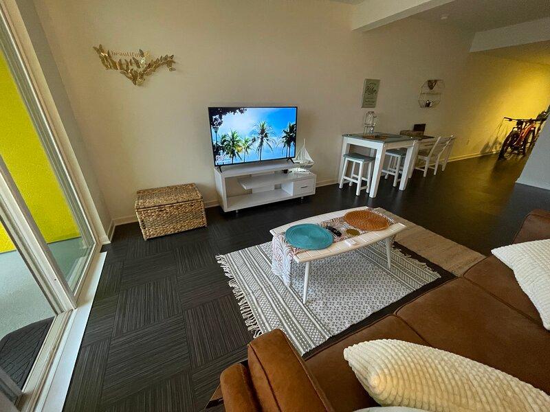 Beautiful studio with Hawaiian vibe, aluguéis de temporada em Marina del Rey