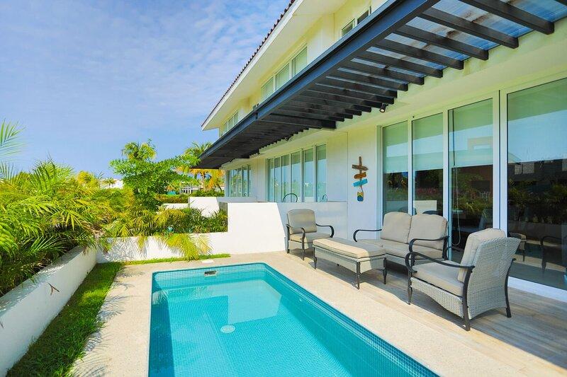 Perfect place for a big family getaway!  El Tigre Golf, private pool & Beach Clu, location de vacances à Jarretaderas