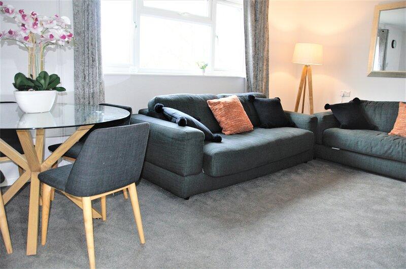 BookedUK: Modern Apartment in Hatfield Heath, holiday rental in Bishops Stortford